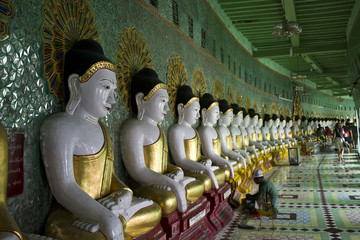 U Min Thonze Buddhist Temple On Sagaing Hill, Buddha detail