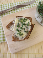 Butterbrot mit Sprossen-Broccoli