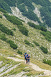 Zwei einsame Wanderer im Hochgebirge