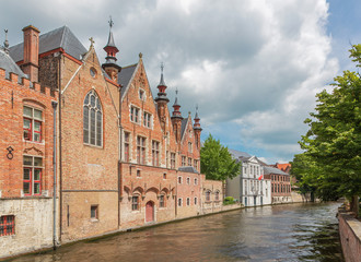 Bruges - Look from Steenhouwersdijk street to canal
