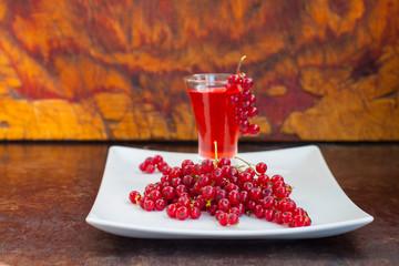 red currant liqueur
