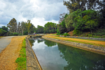 Canal de agua, Guadalhorce, provincia de Cádiz, España