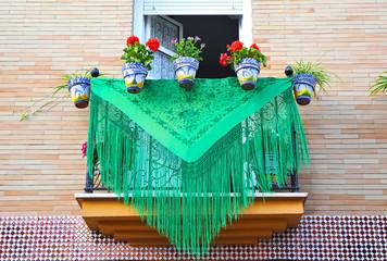 Balcón andaluz en día de fiesta, Andalucía, España