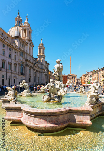 Fotobehang Fontaine Fontana del Moro (Moor Fountain) at the Piazza Navona in Rome