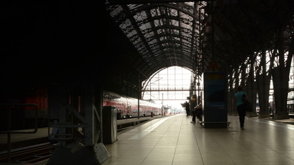 Frankfurt train station time lapse woman misses train 4K