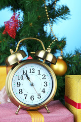 Alarm clock with Christmas tree and presents