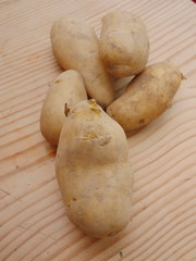 market organic potatoes