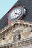 la cathédrale et son horloge - 67338283