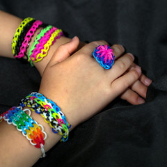 2 mains loom bands 2