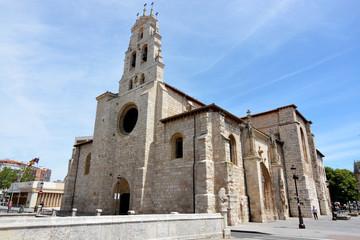 fachada de piedra de la iglesia de San Lesmes en Burgos