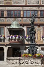 Tübingen Neptumbrunnen devant l'hôtel de ville