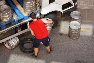 repartidor de barriles de cerveza