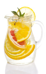 Citrus limonade isolated