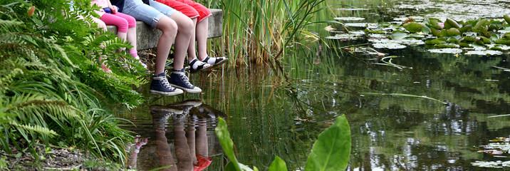 Füsse baumeln lassen am Teich