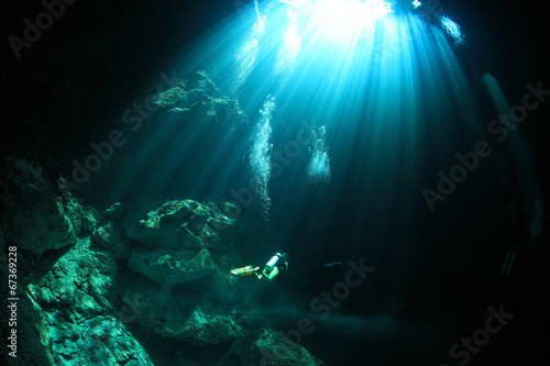 Foto op Canvas Onder water Cavediving in the cenote underwater cave