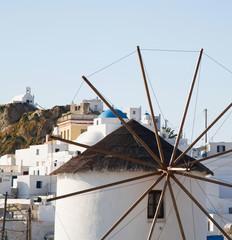 Windmühle auf der Insel Serifos in Griechenland
