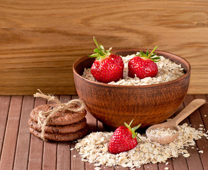 Oatmeal, strawberries and cookies