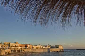 Beach of the old town of Gallipoli (Le)