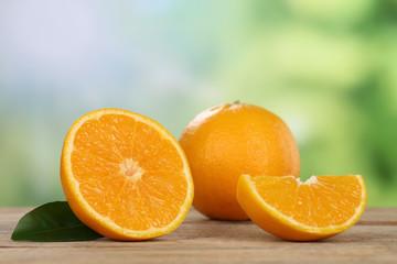 Orangen im Sommer mit Textfreiraum