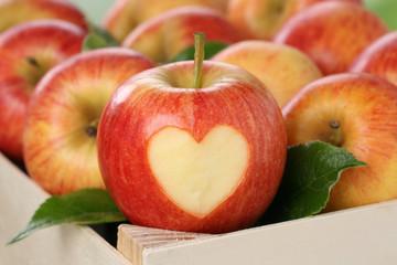 Apfel mit Herz Thema Liebe