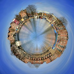360 degree view of Amsterdam canal houses