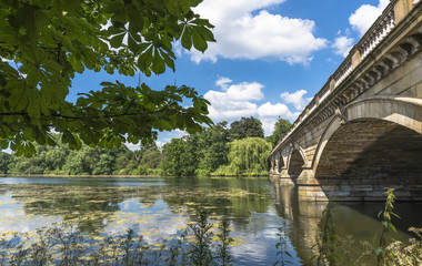 Serpentine Lake and Serpentine Bridge in Hyde Park, Lonson