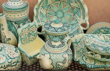 Ceramiche artistiche di oggetti per la cucina
