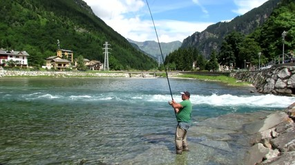 pescatore sul lago