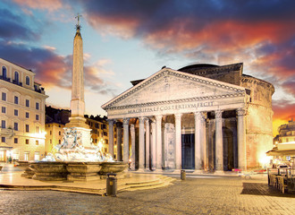Rome - fountain from Piazza della Rotonda and Pantheon in mornin