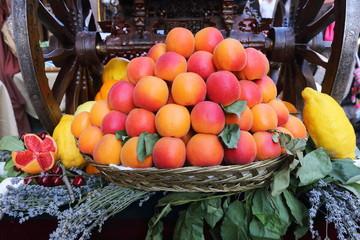 mele frutta di stagione esposizione