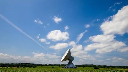 Zeitraffer - Wolken und Technik