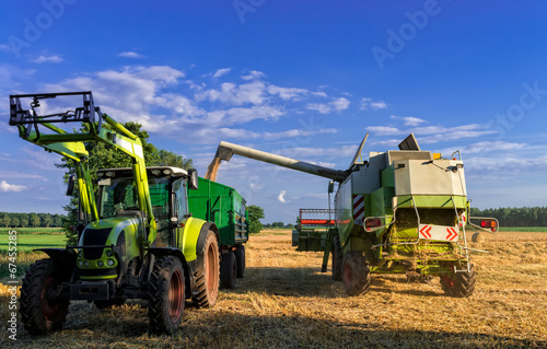 Tractors and harvesting - 67455285