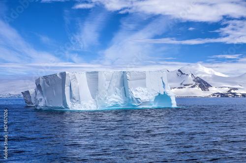 Fotobehang Antarctica Iceberg in Antarctica Landscape-2
