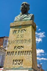 Verín, Orense, monumento a José García Barbón