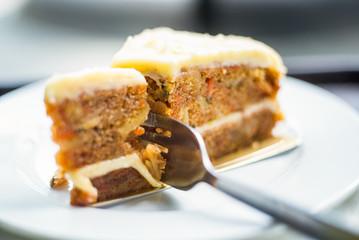 Slice of carrot cake (very shallow DoF)