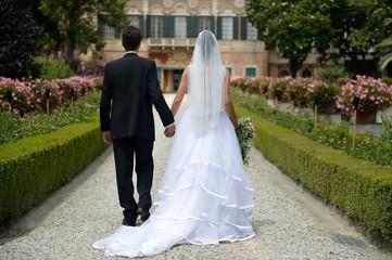 Sposi nel viale