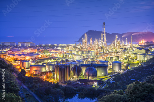 Foto op Plexiglas Japan Oil Refineries