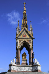 The Albert Memorial from center front view