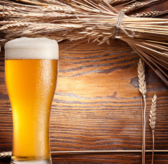 ars of wheat & beer glass.