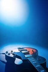 guitar © razoomanetu