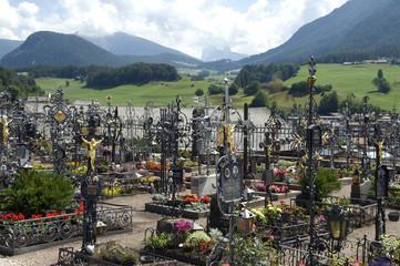 Friedhof, Kastelruth, Grabgestaltung, Dolomiten,