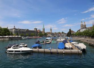 Zürichsee, historische Altstadt und Limmat-Ostufer von Zürich