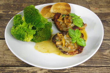 grilled steak  chanterelle souce