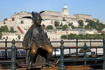 Little Princess statue Budapest Hungary