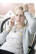 Mädchen bei einem Telefongespräch