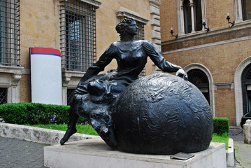 Art in the Rome city street near Trevi fountain