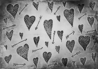 Doodle grunge hearts pattern old paper