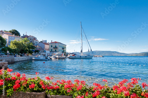 Leinwanddruck Bild Valun port town and coast in Croatia