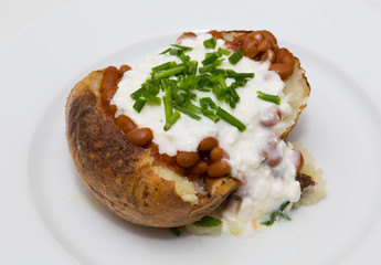 Baked Potatoe with Beans, Cottage Cheese and Chives