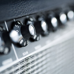 volume button guitar amplifier